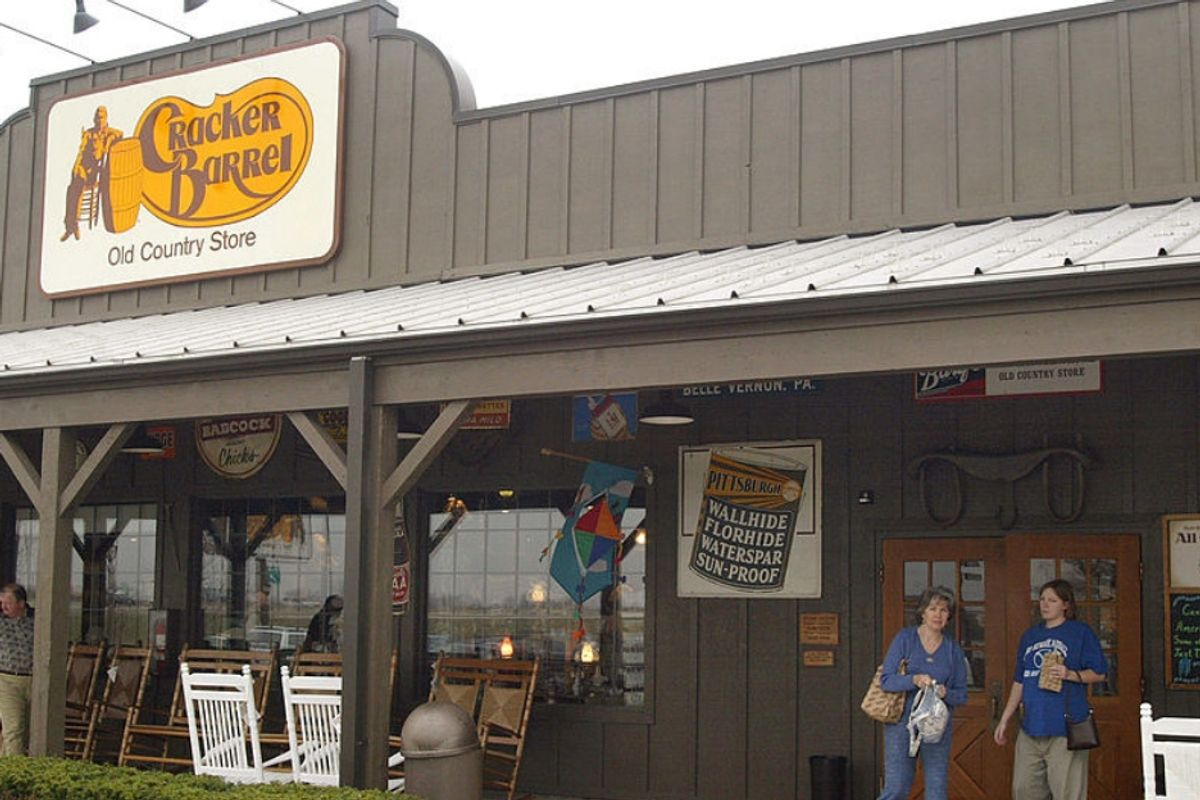Tennessee Cracker Barrel refuses service to pastor-cop who preaches that LGBTQ people should be executed.