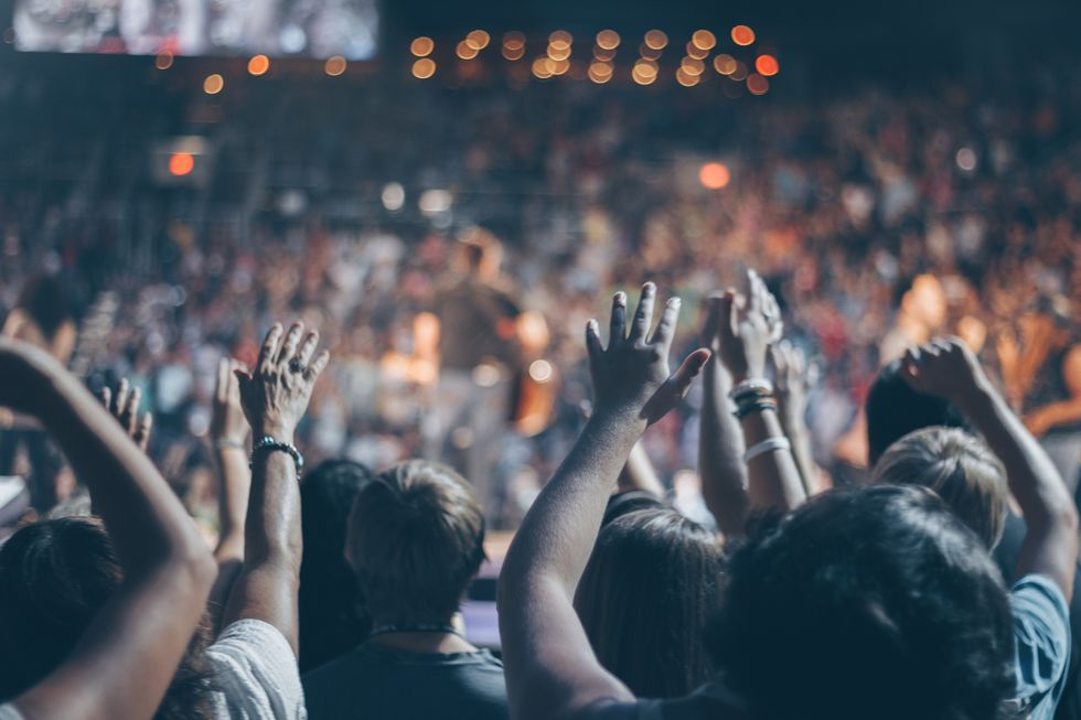 12 Easy Hacks That Will Make You A Pro Concert Goer