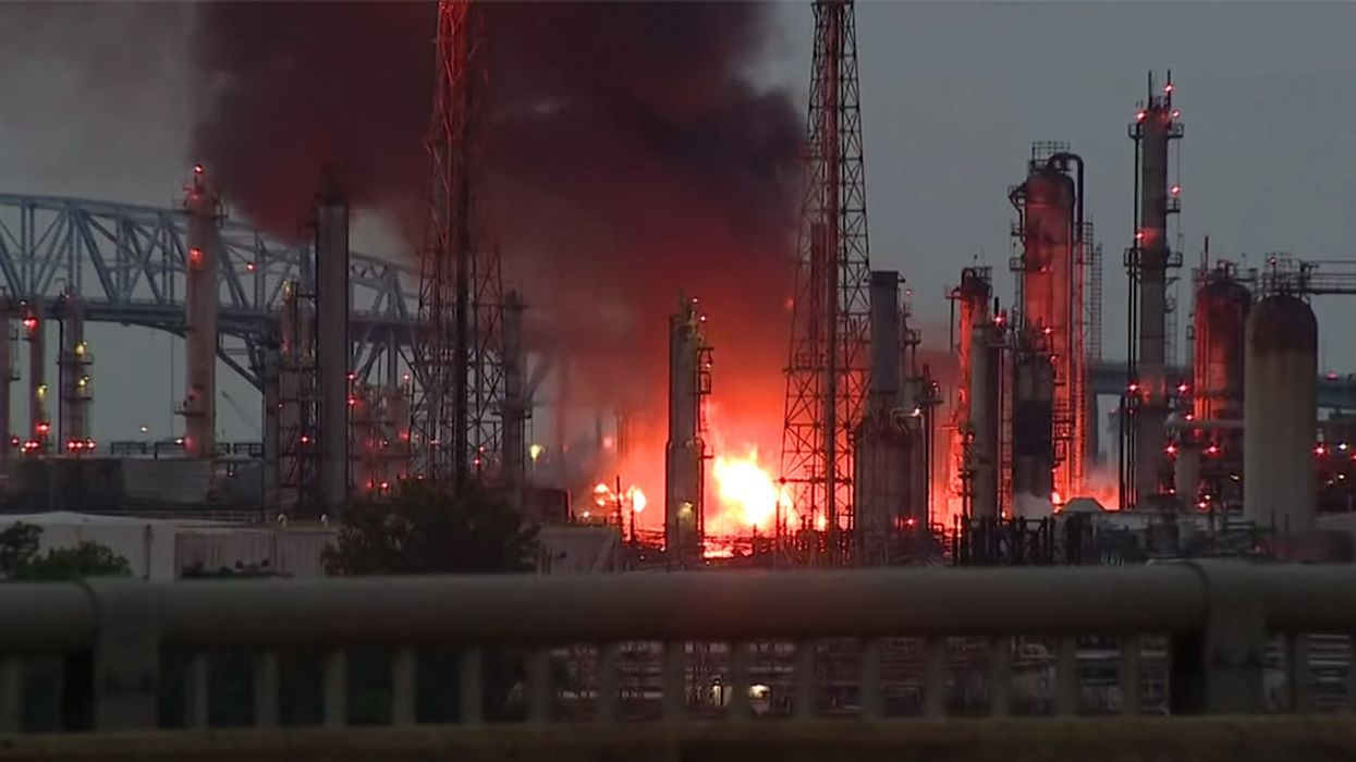 Massive Fire at South Philadelphia Oil Refinery Injures Five