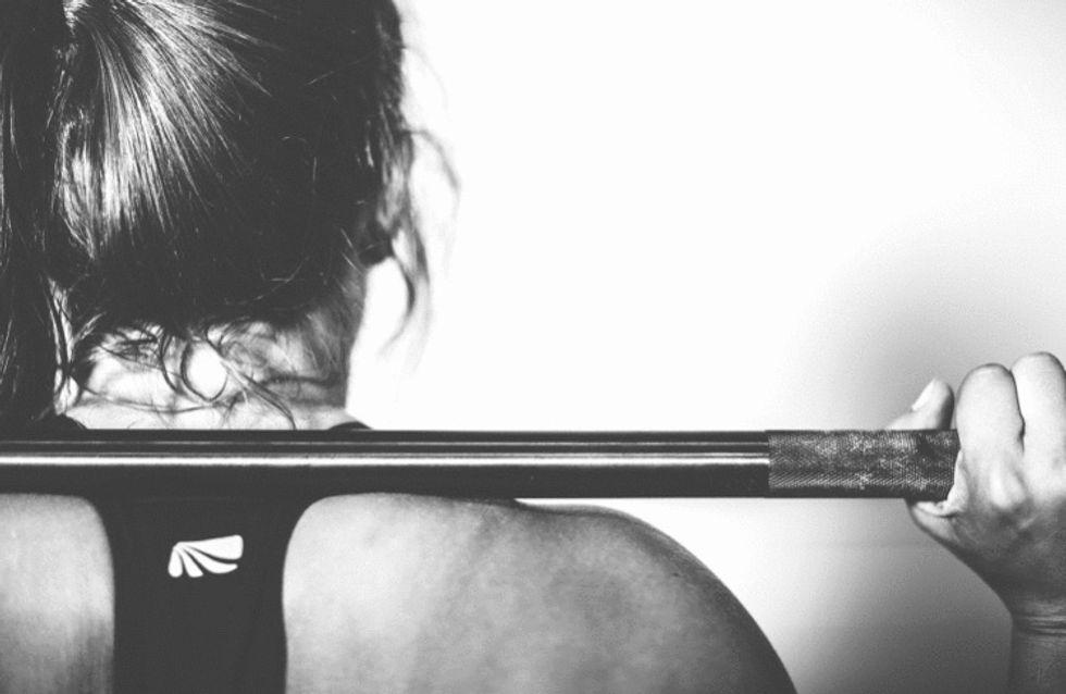 https://pixabay.com/photos/crossfit-sports-fitness-training-534615/