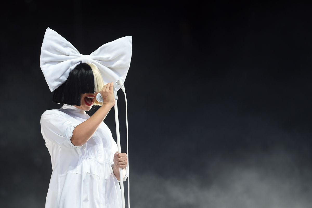 Sia Accused of Using Blackface By Taylor Swift Fans