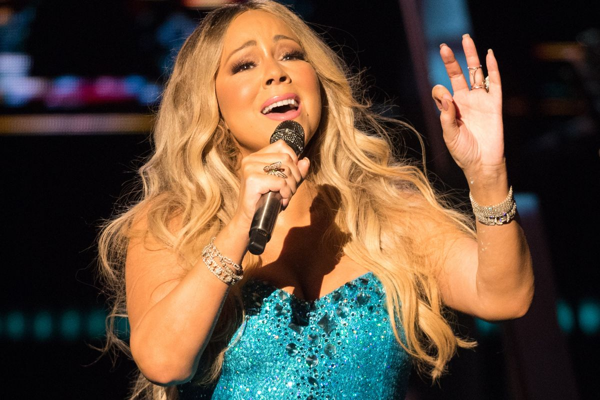 Mariah Carey Crushes the Bottle Cap Challenge
