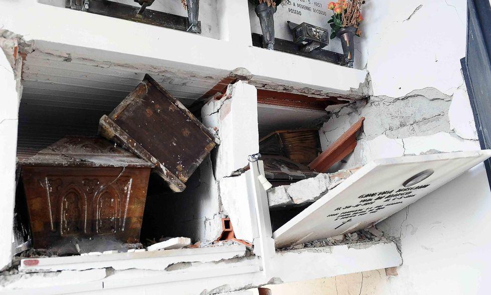Terremoto: ad Amatrice ancora bare all'aperto
