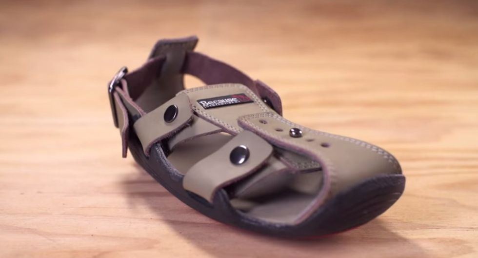 Expandable Shoes Adapt to Fit the Feet of Growing Children