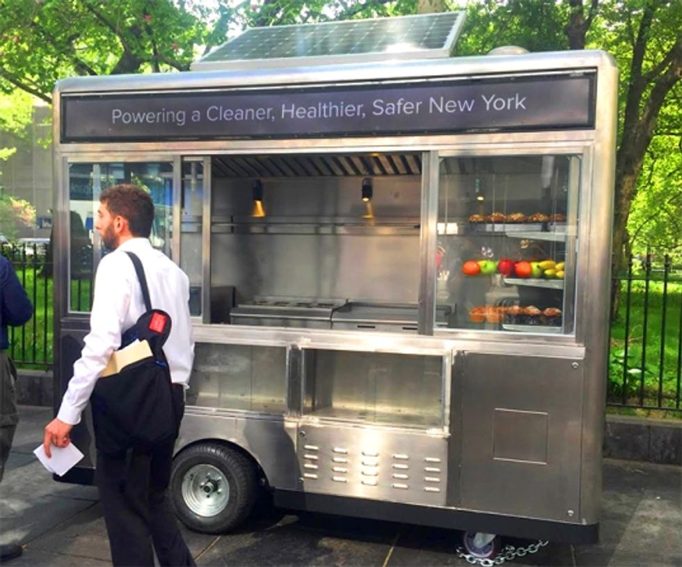 Hundreds of Solar-Powered Street Carts to Hit NYC This Summer