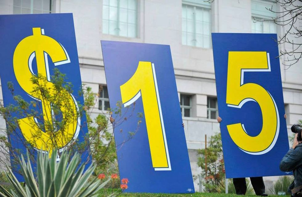 Los Angeles Is Now the Largest U.S. City With a $15 Minimum Wage