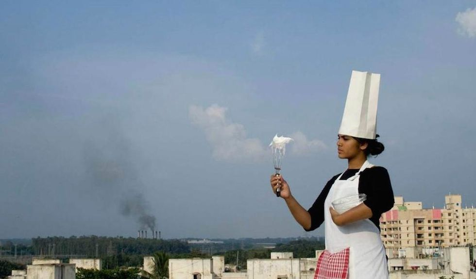 Smog-Infused Desserts Offer an Edible Taste of Global Pollution Issues