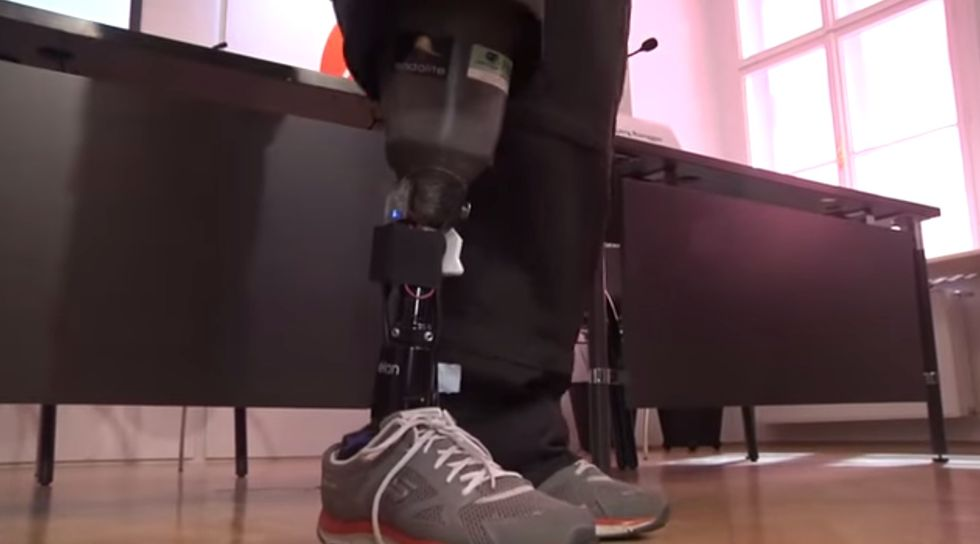 "Prosthetics Breakthrough Lets Amputees ""Feel"" Their Artificial Limbs"