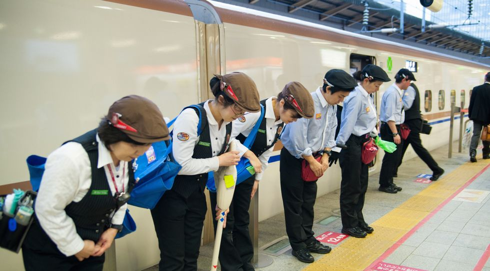 This Tokyo Bullet Train Clean-Up Crew Kicks Ass