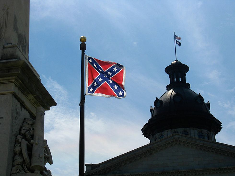 Over 334,000 People Petition To Take Down The Confederate Flag
