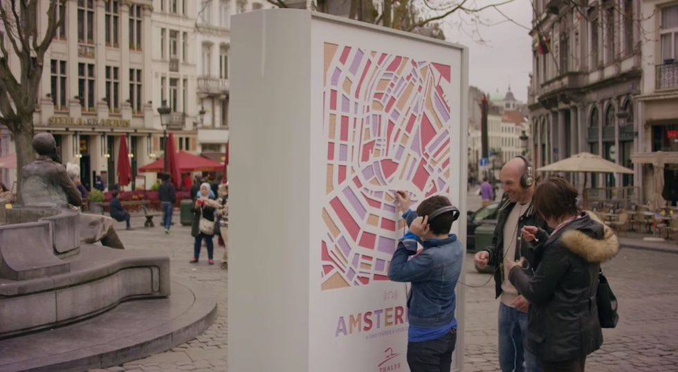 Interactive Billboards Let You Experience the Sounds of Faraway Cities