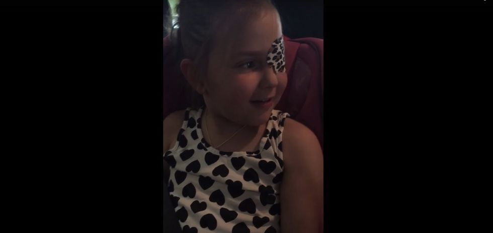 """Princess Anna from """"Frozen"""" Calls Girl with Inoperable Brain Tumor"""