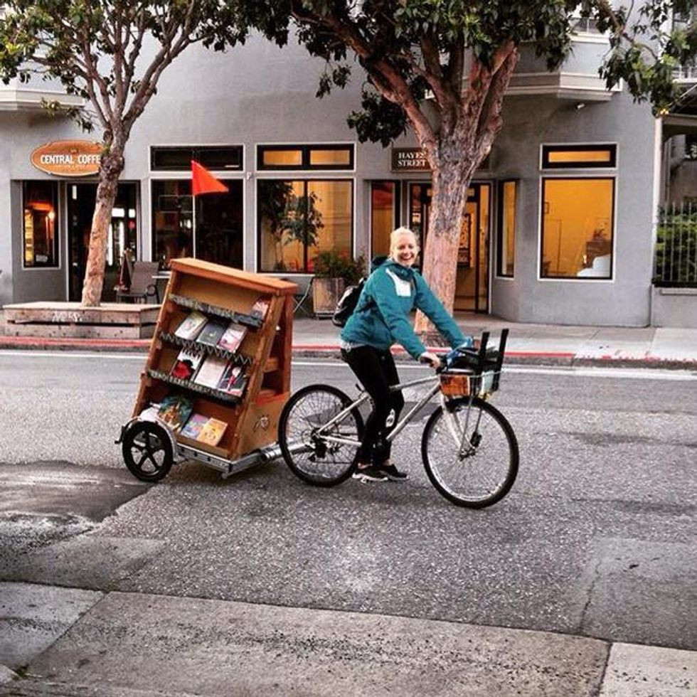 """Librarians on Bikes Are Delivering Books and WiFi to Kids in """"Book Deserts"""""""