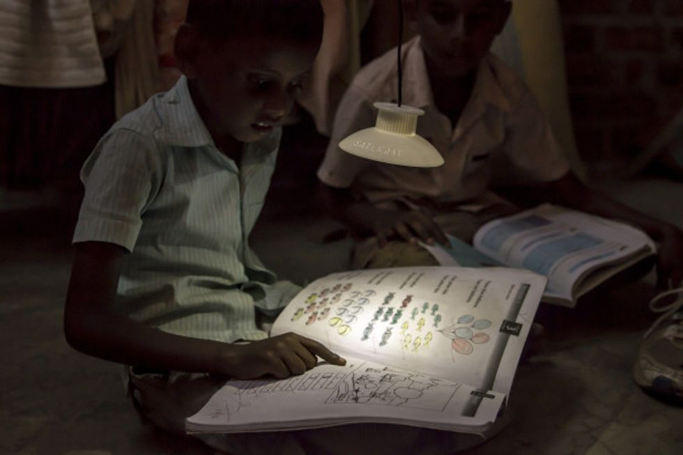 For Homes Without Electricity, a Lamp Powered by Gravity
