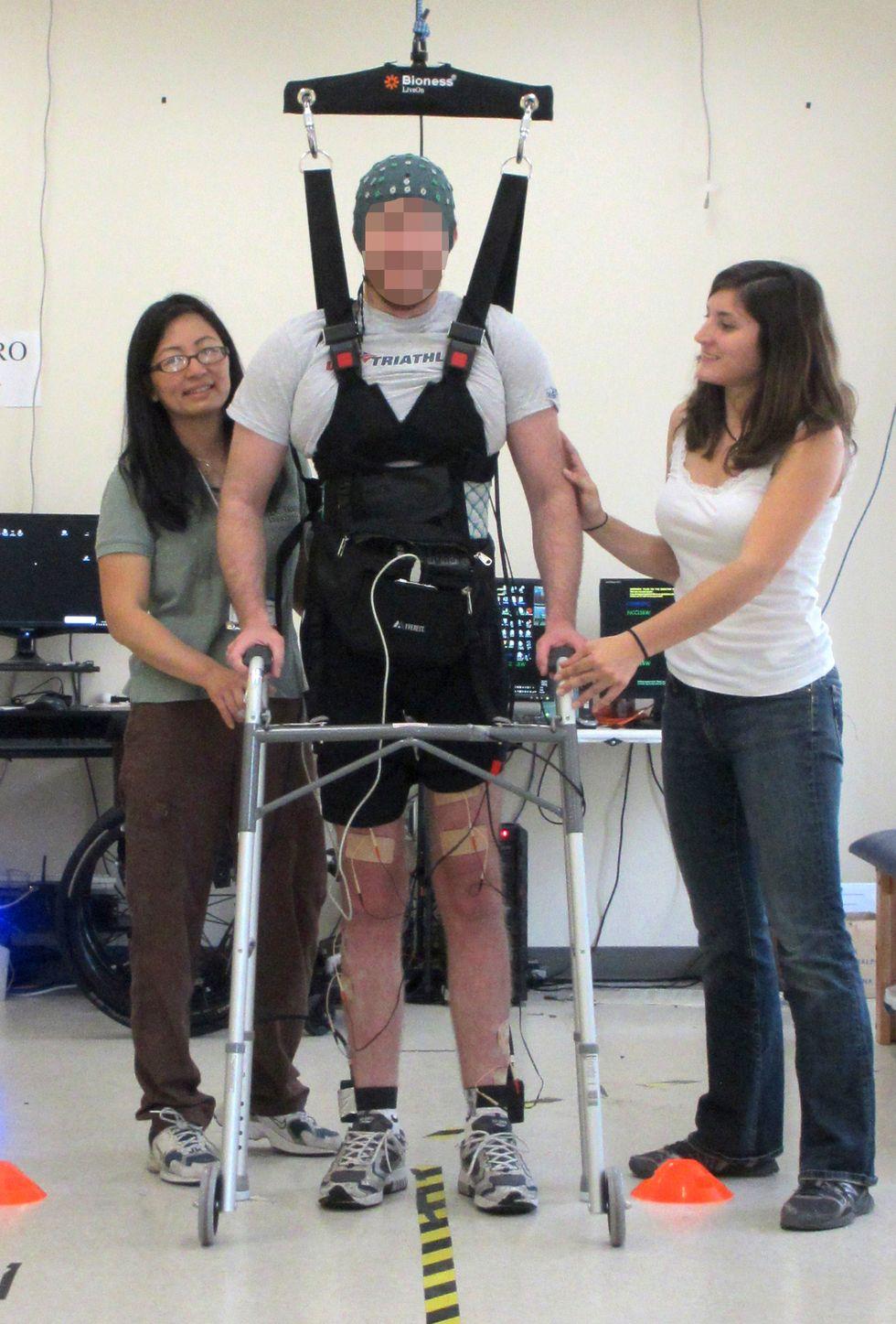 Watch a Paraplegic Man Walk Again with the Help of a Brain-Controlled Computer