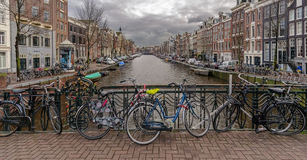 Fascinating Photos Show How Amsterdam Became a Cyclist's Dream City