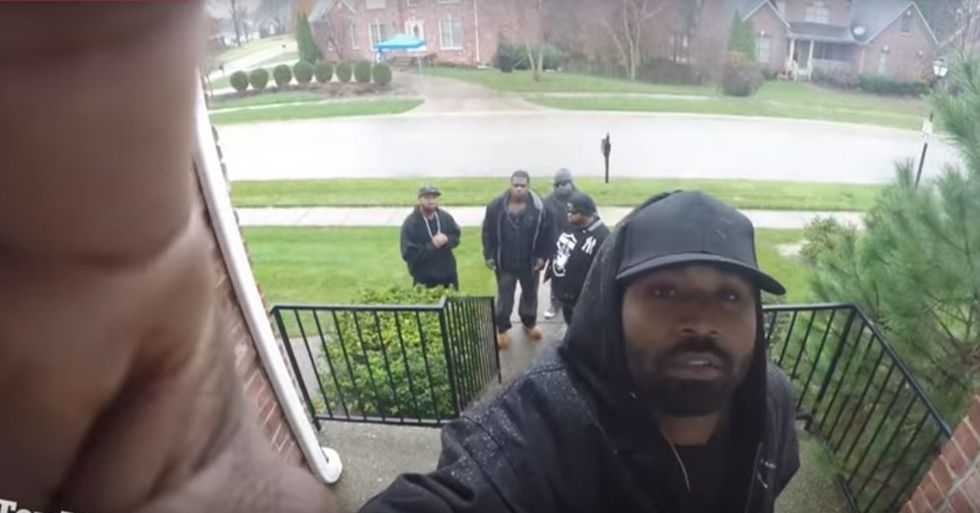 Christmas Carolers Poke Fun at Racial Stereotypes in a Great Christmas Prank