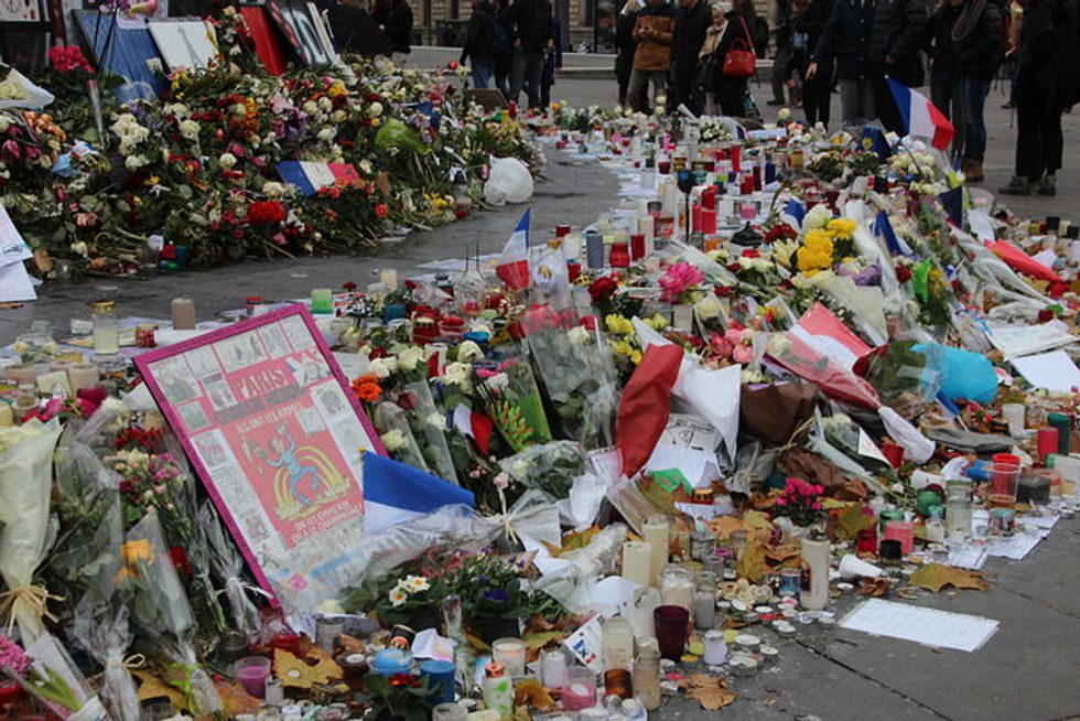 Archivists Are Preserving Moving Written Tributes to the Paris Attacks