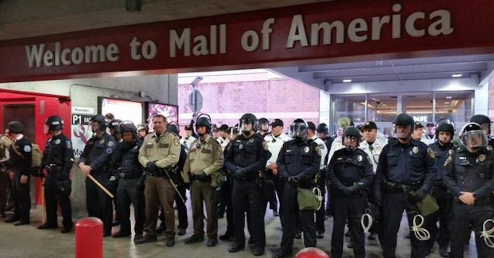 Black Lives Matter Protesters Briefly Shut Down Mall of America for #BlackXmas Protests