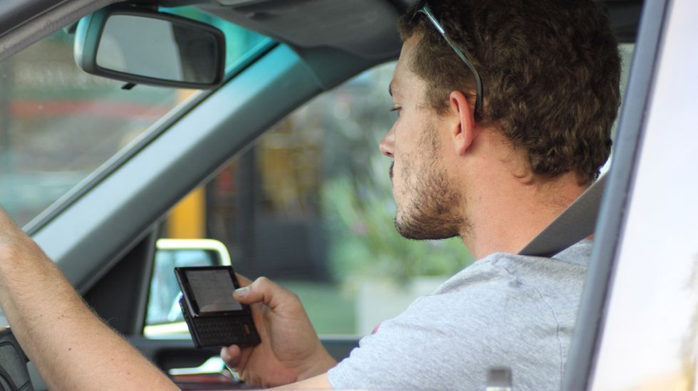 20-Year-Old CEO Showcases Device That Prevents Distracted Driving