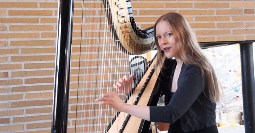 Harpist Erin HillPlays a Beautiful Version of Bowie's 'Space Oddity'