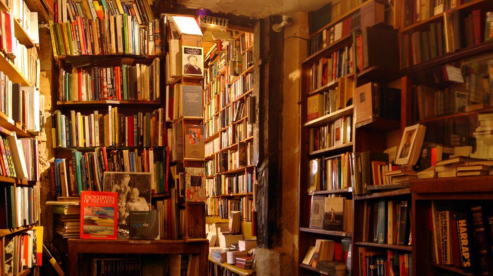 Is Amazon Planning to Open Hundreds of Actual Bookstores?