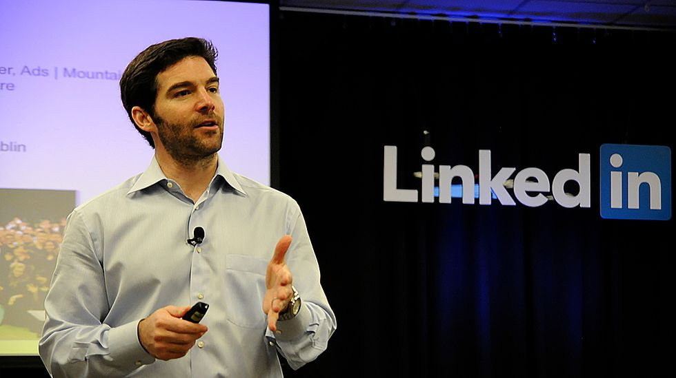 LinkedIn CEO Gives Up $14 Million Bonus to Employees