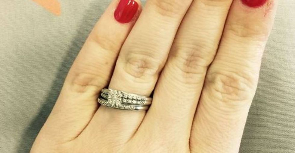 Woman Defends Her 'Tiny Ring' in a Beautiful Facebook Post