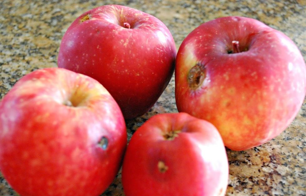 Why Ugly Apples Taste Yummier—And May Be Better For You