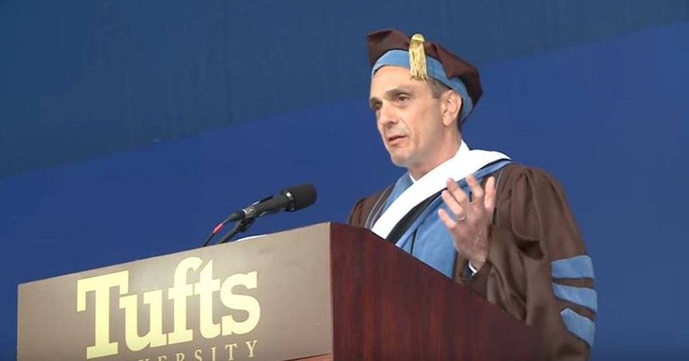 Hank Azaria Gives A Hilarious and Moving Commencement Speech At Tufts University
