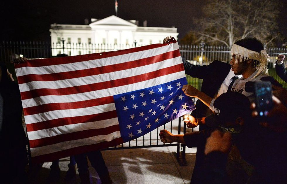 Americans Are Renouncing Their Citizenship In Record Numbers