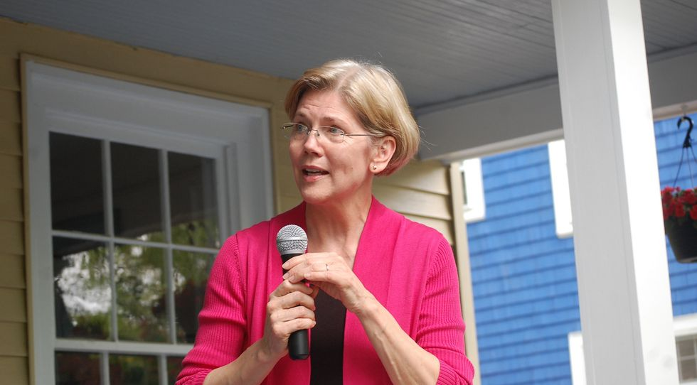 Elizabeth Warren Calls Trump 'Thin-Skinned, Racist Bully'
