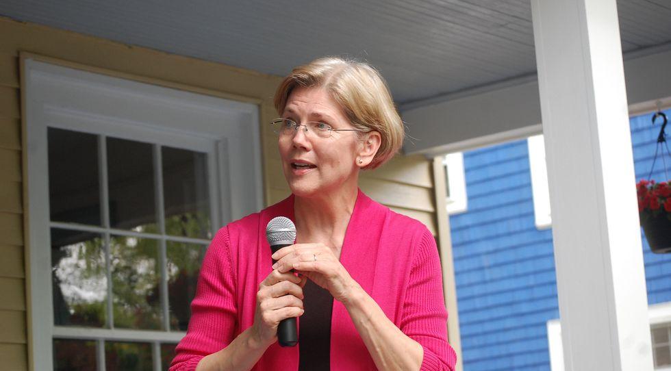 Elizabeth Warren Calls Trump 'Thin-Skinned, Racist Bully'