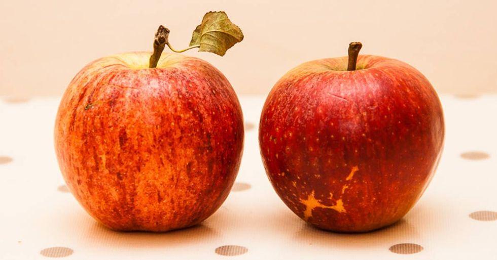 UK Teacher Explains Bullying Using Two Apples