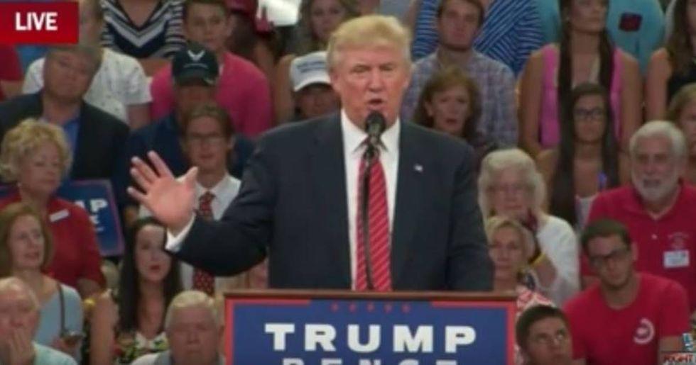 Donald Trump Suggests That Gun Rights Advocates Should Kill Hillary Clinton