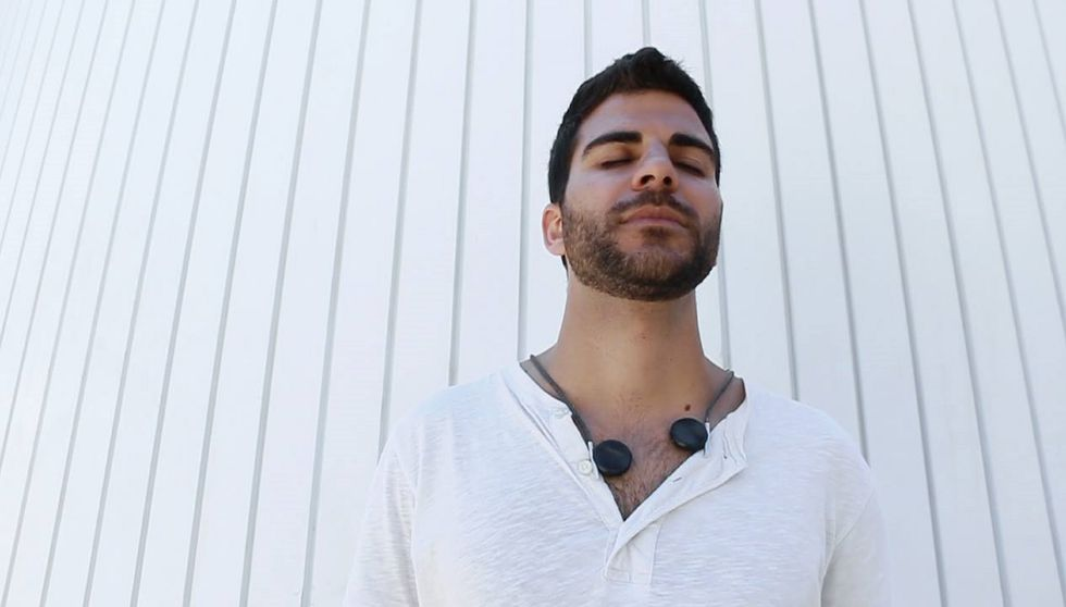 """These """"Headphones"""" Convert Sound Into Vibration So The Deaf Can Experience Music"""