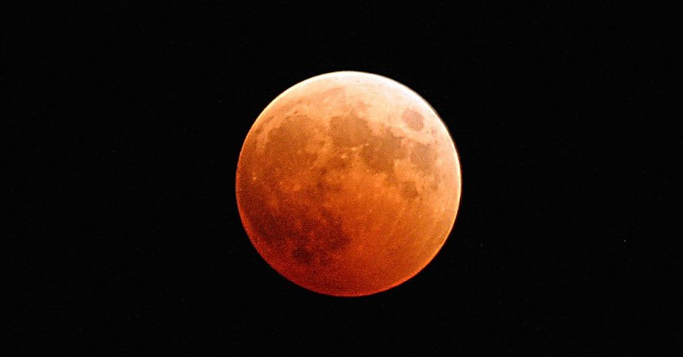 How To View The Harvest Moon Eclipse No Matter Where You Are