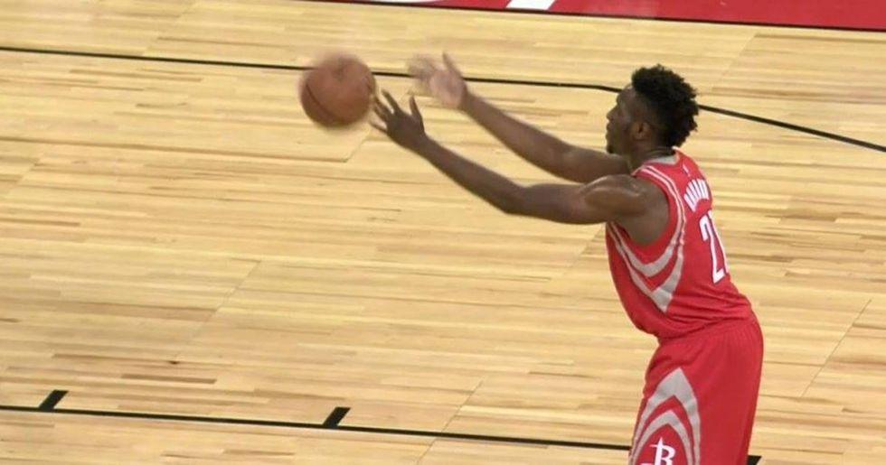 Rockets' Rookie Chinanu Onuaku Brings Back the 'Granny' Shot
