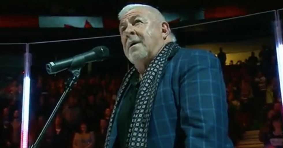 Vancouver Fans Come To The Rescue, Belting Out The 'Star Spangled Banner' When Singer's Mic Cuts Out
