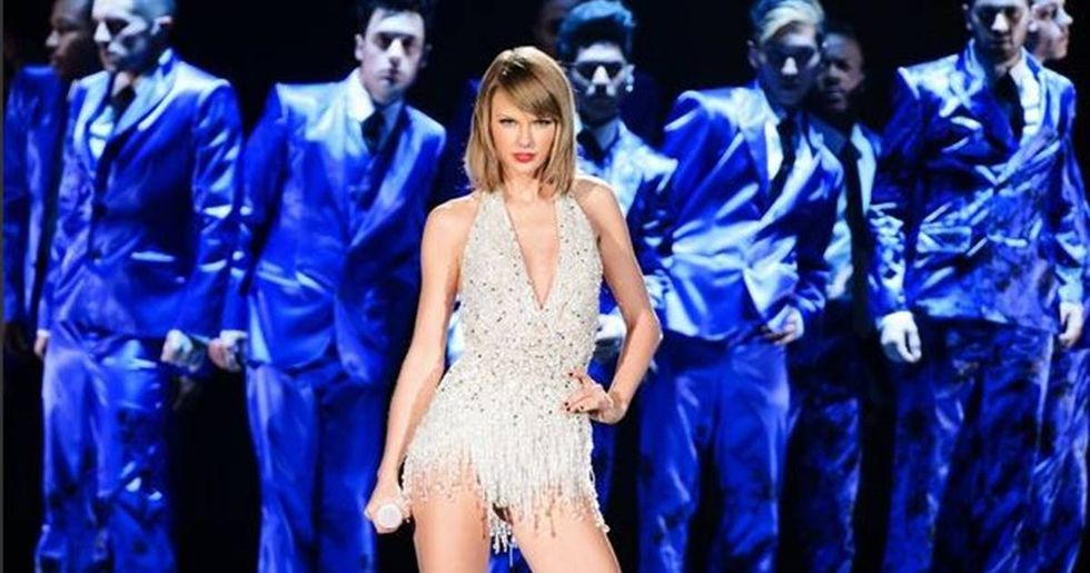 Taylor Swift Sues Radio DJ For Groping Her At A 2013 Meet-And-Greet