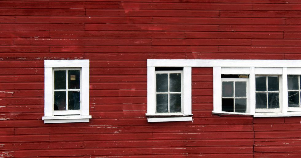 The Wildly Fascinating Reason All Barns Are Painted Red