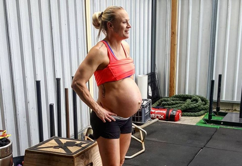 Muay Thai Fighter Still Trains Like A Beast At 39 Weeks Pregnant