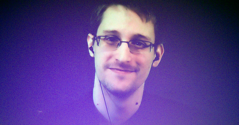 Edward Snowden Kills Trump's 'Conspiracy' By Explaining How The FBI Went Through Hillary's Emails So Quickly