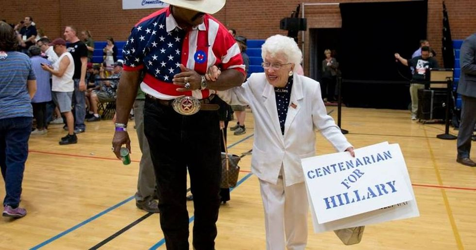 102-Year-Old Jerry Emmett Casts Her Vote For Hillary Clinton