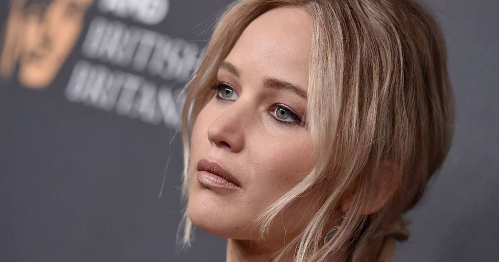 Actress Jennifer Lawrence Asks Clinton Supporters To 'Be Loud'