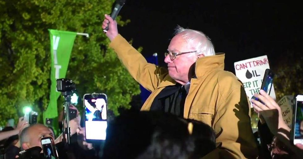 Bernie Sanders Surprises Dakota Pipeline Protesters With An Inspiring Speech