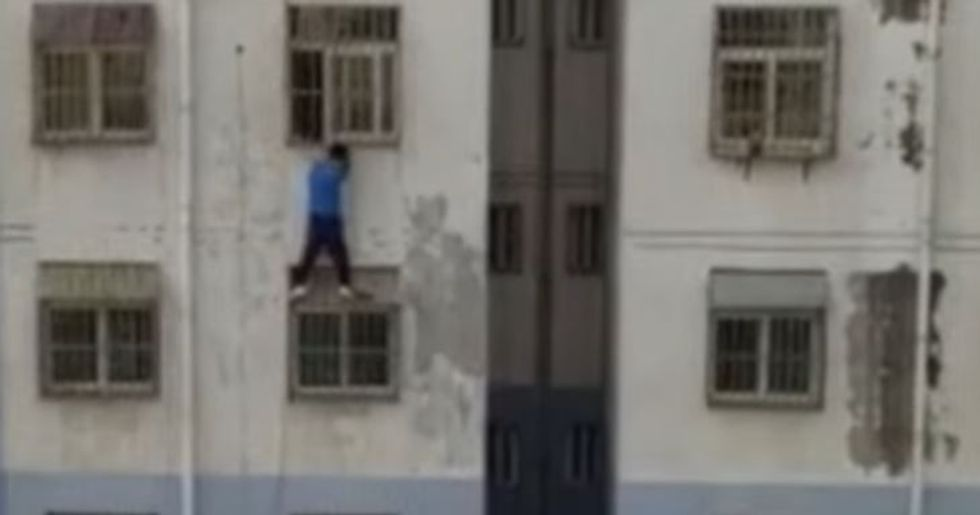 Random Act of Sport: 'Spider-Man' Climbs Building To Save Child Stuck In Window