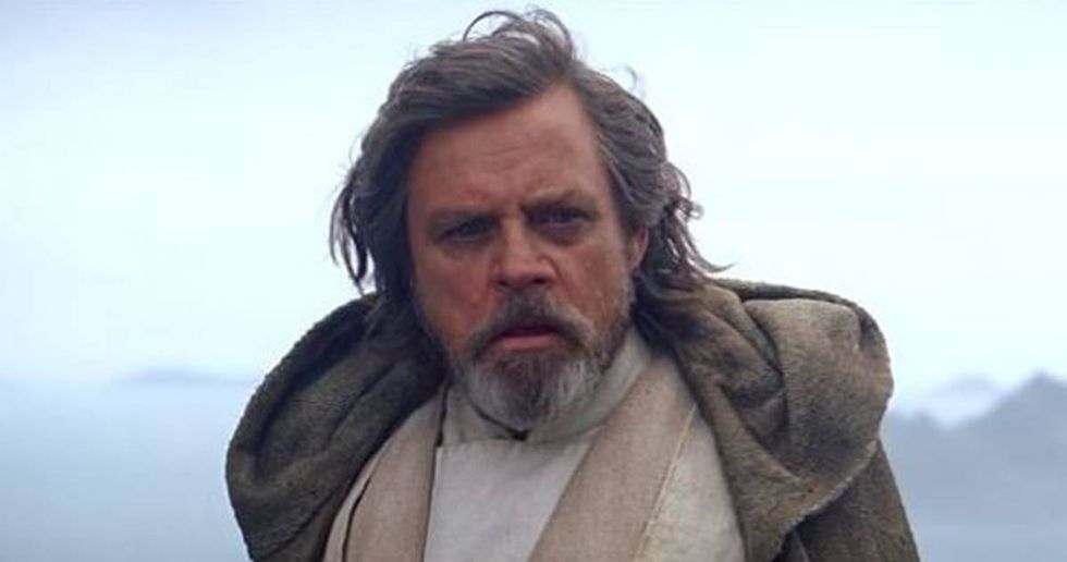 'Star Wars' Actor Mark Hamill Has Harsh Words For Trump's Cabinet