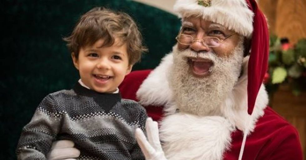 Larry Jefferson-Gamble Is The First Black Santa At America's Largest Shopping Mall