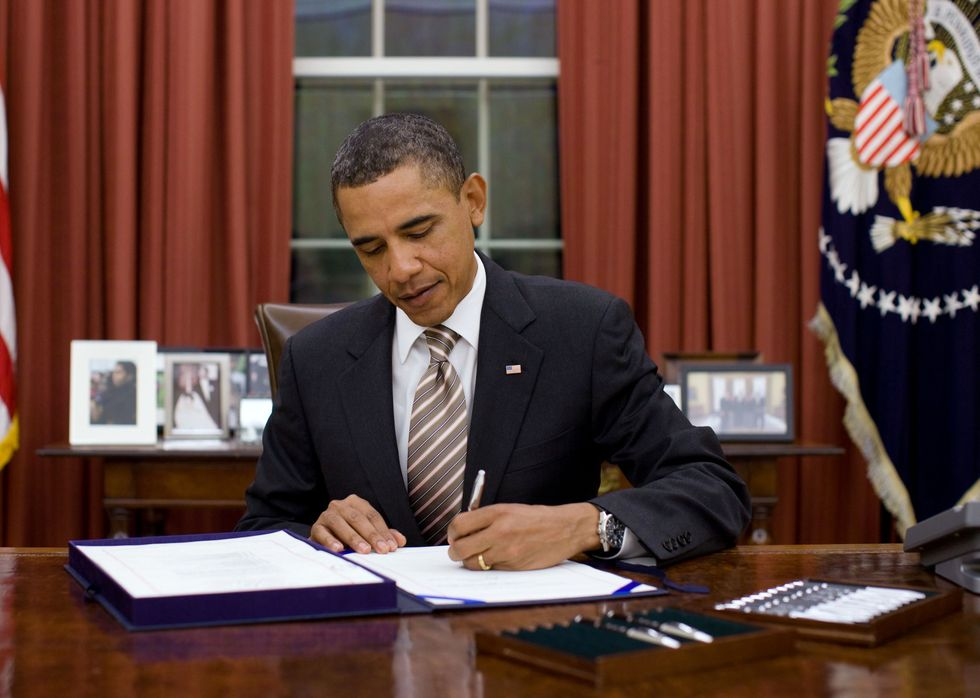Obama Signs New Rule Blocking States From Defunding Planned Parenthood